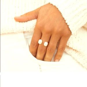 ERTH pearl and Gold ring